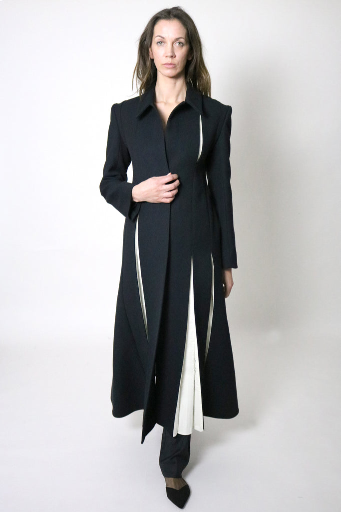 PRE-ORDER AW/18  Long Tailored Coat with contrast pleat detailing