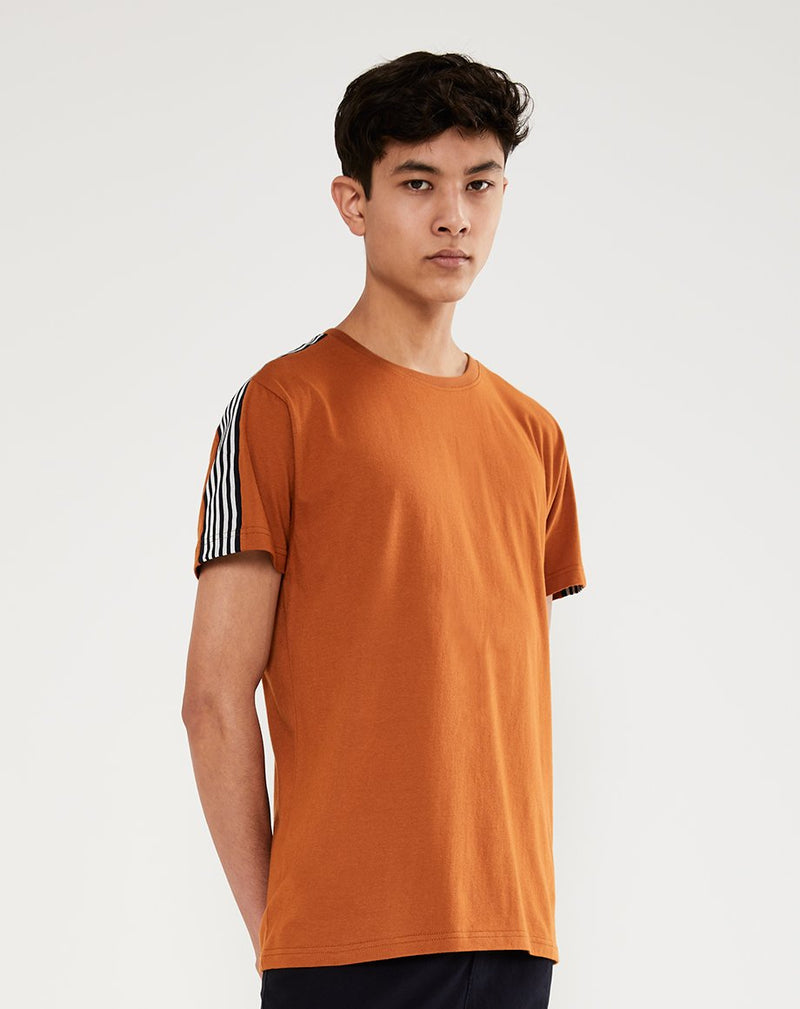 BELLFIELD KEMPSEY MENS T-SHIRT | TOBACCO
