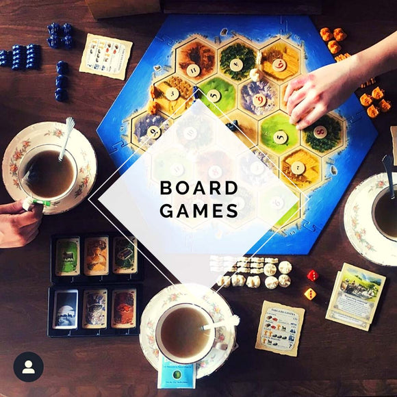 namizna družabna igra catan od zgoraj navzdol top down photo of catan board game