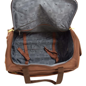 holdall with packing straps