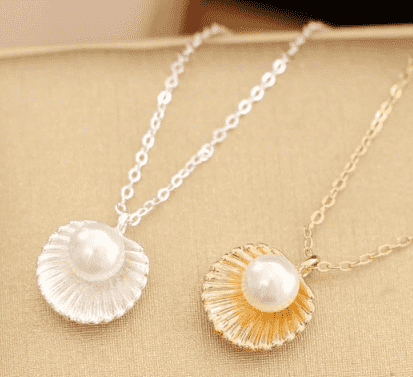 Cute Pearl Shell Necklace - Royalty Trends
