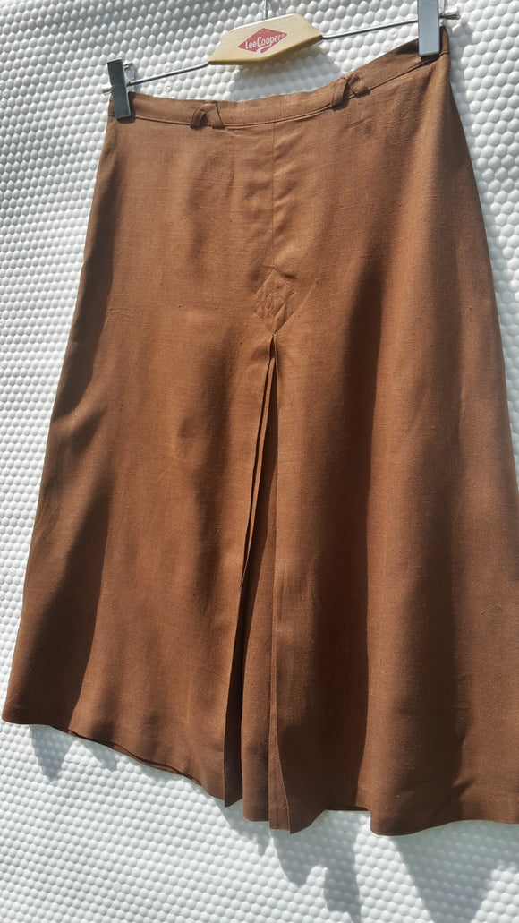 Middle Pleat Skirt