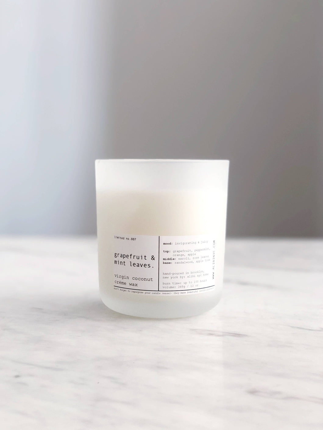 ALIBI NYC - GRAPEFRUIT & MINT LEAVES | VIRGIN COCONUT CRÈME CANDLE