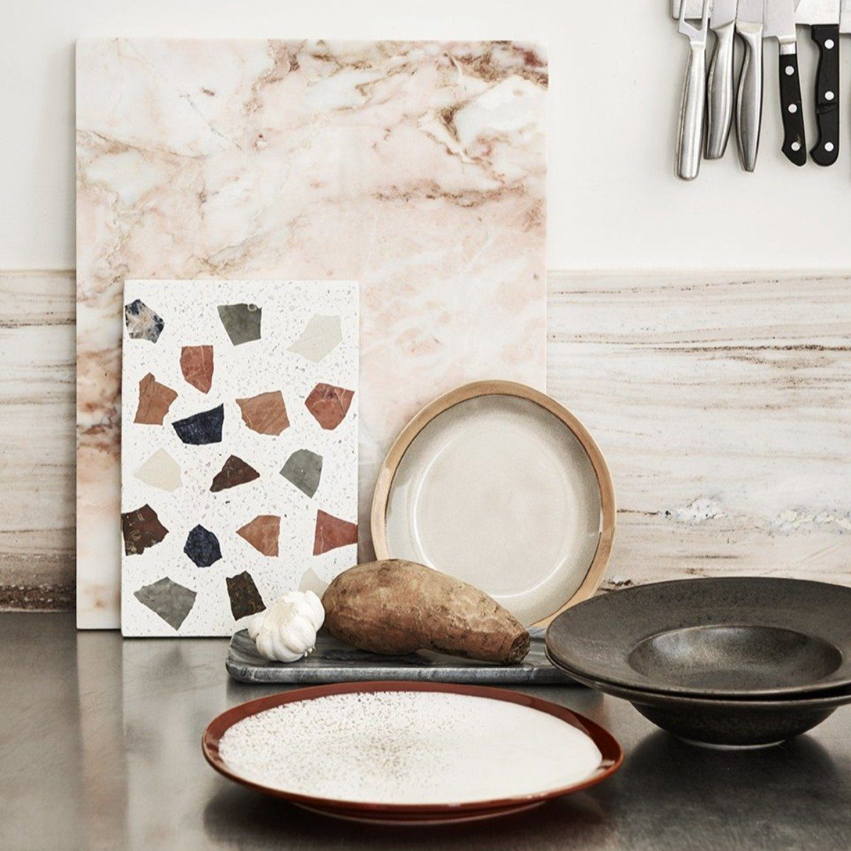 """BLACKISH"" RUSTIC PASTA PLATE - BY HK LIVING plate HK LIVING"