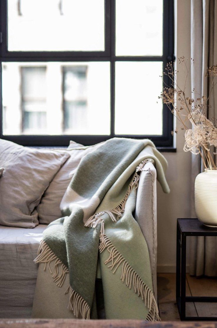 PURE NEW WOOL THROW | ABSTRACT MEADOW I am Nomad