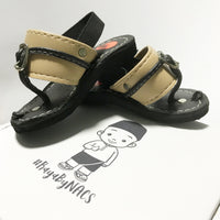 Black sole/Cream strap Capal