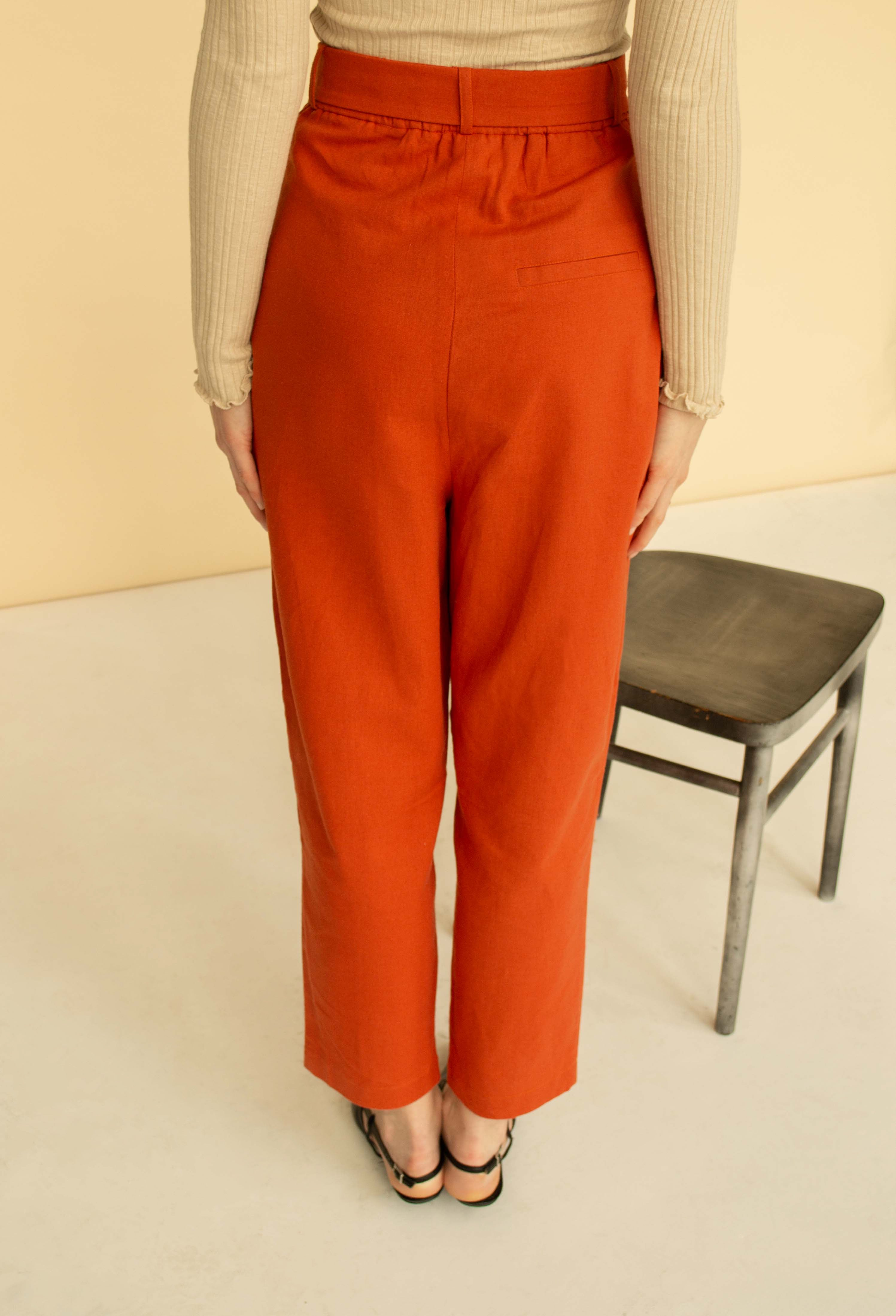 Linen belted tapered pants