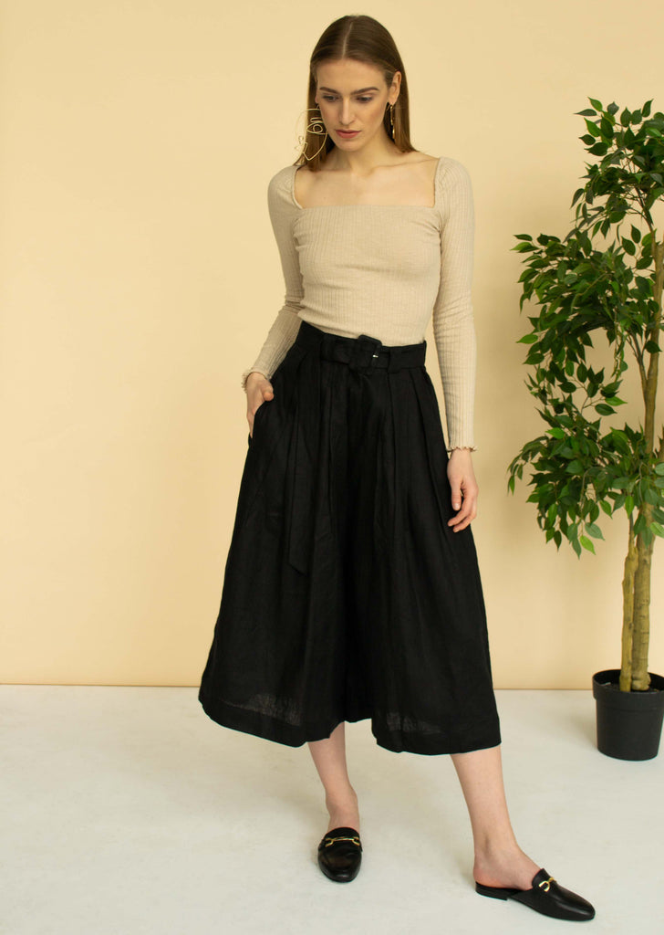 Pleated wide-leg linen pants