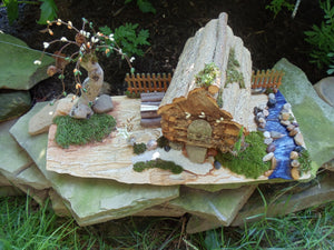 Log Cabin Sculpture