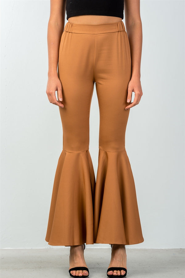 Mid-Rise Flared Out Pants in Camel