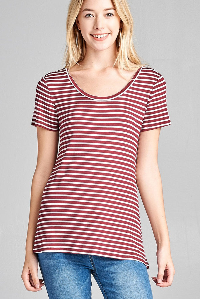 Short Sleeve Scoop Neck Basic Tee in Burgundy and White