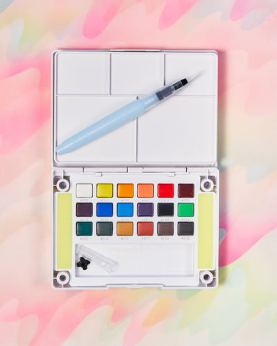 Sakura Koi Pan Watercolor Set of 18