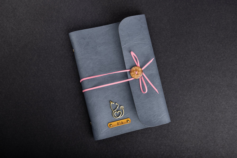 Grey with Pink Thread Diary - The Junket
