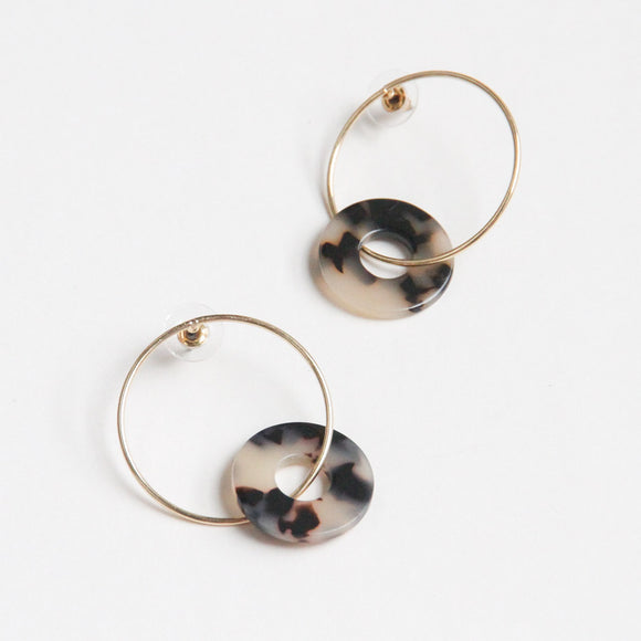 Gold/Tortoiseshell Linked Hoops Earrings