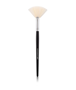 Fan Brush - Bodyography Professional Cosmetics