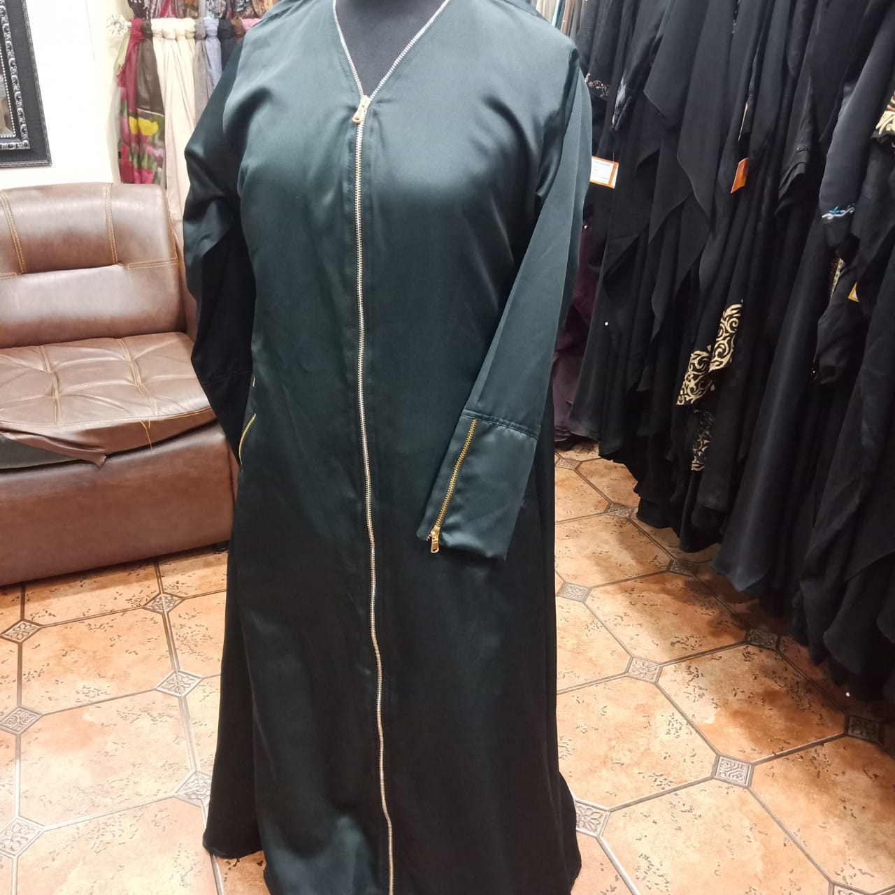 Abaya-Long Golden Zip at front (5 Zip)
