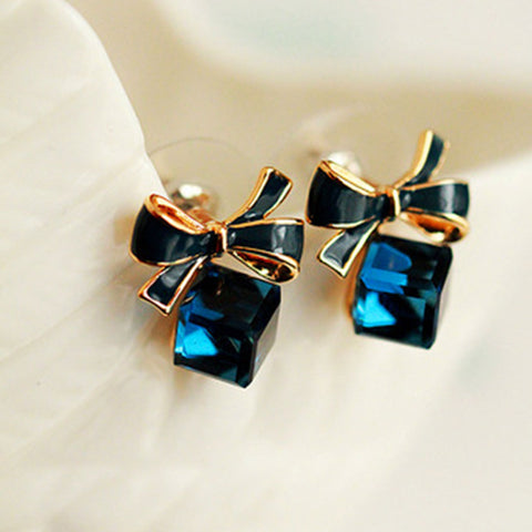 Shopping Mania Bow Knot Earrings