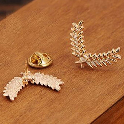 Shopping Mania Leaf Brooch