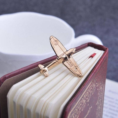 Aeroplane batch coat pin men brooch lapel pin