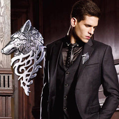 Shopping Mania Wolf Head Brooch