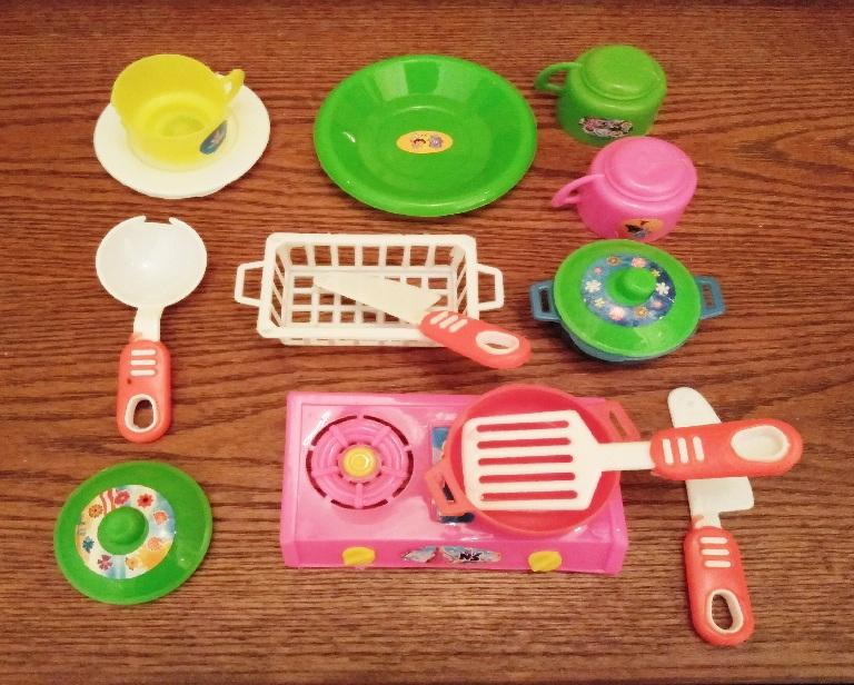 Kitchen Toy Set for Girls Cooking Utensils 3 Plus Years Kids Non toxic Plastic Pretend Play 13 Pieces Multicolor