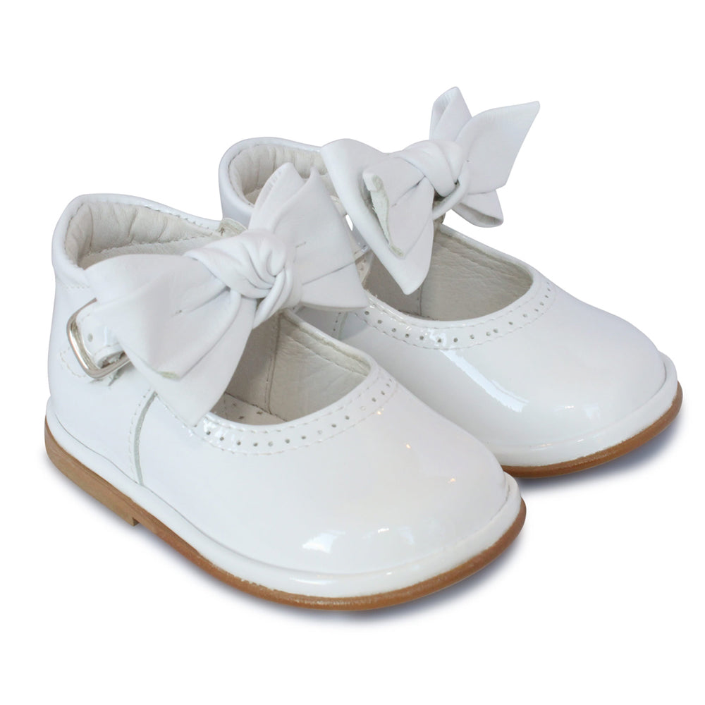 Borboleta Vitoria Patent Shoes White