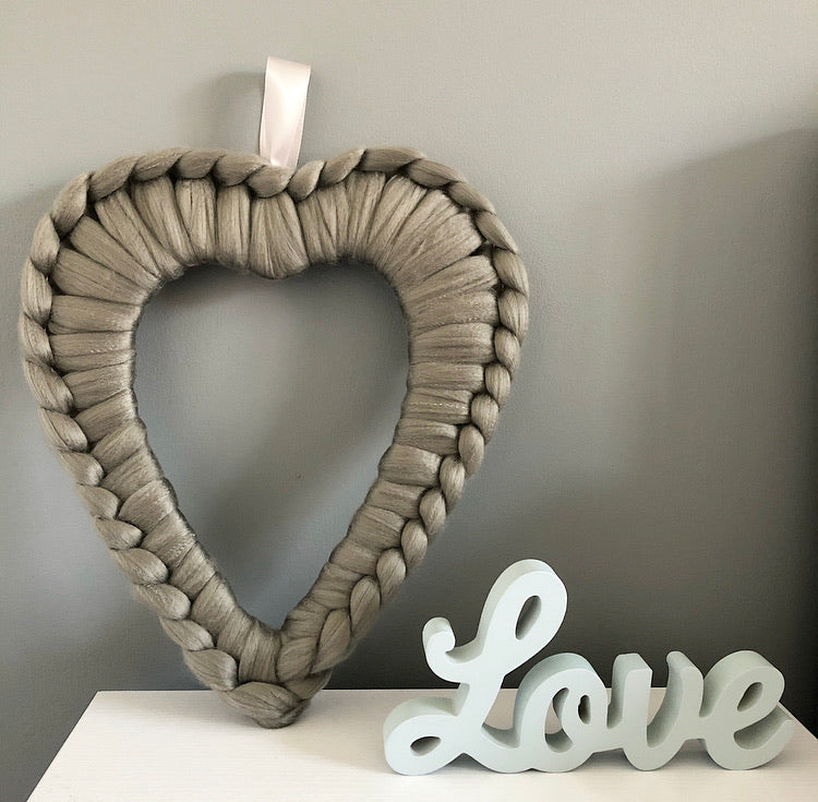 Acrylic Chunky Heart Wreath - No Needles Needed Chunky Knits