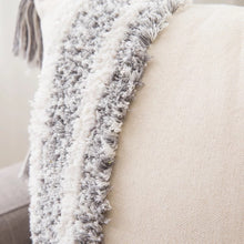Load image into Gallery viewer, Kemi Cushion Cover - No Needles Needed Chunky Knits