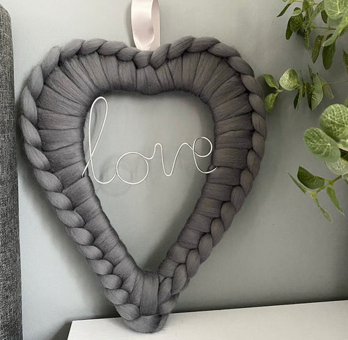 Love Wire Word Merino Heart Wreath - No Needles Needed Chunky Knits