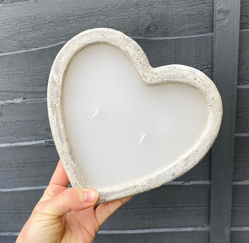 Heart Shaped Cement Candle - No Needles Needed Chunky Knits