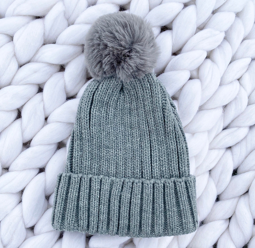 Plain Beanie Hat - Grey - No Needles Needed Chunky Knits