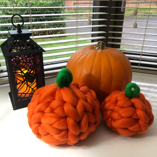 Chunky Knit Pumpkins - Set of 2 - No Needles Needed Chunky Knits