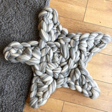 Star Rug/Cushion/Mat - Colour Pop Blends - No Needles Needed Chunky Knits