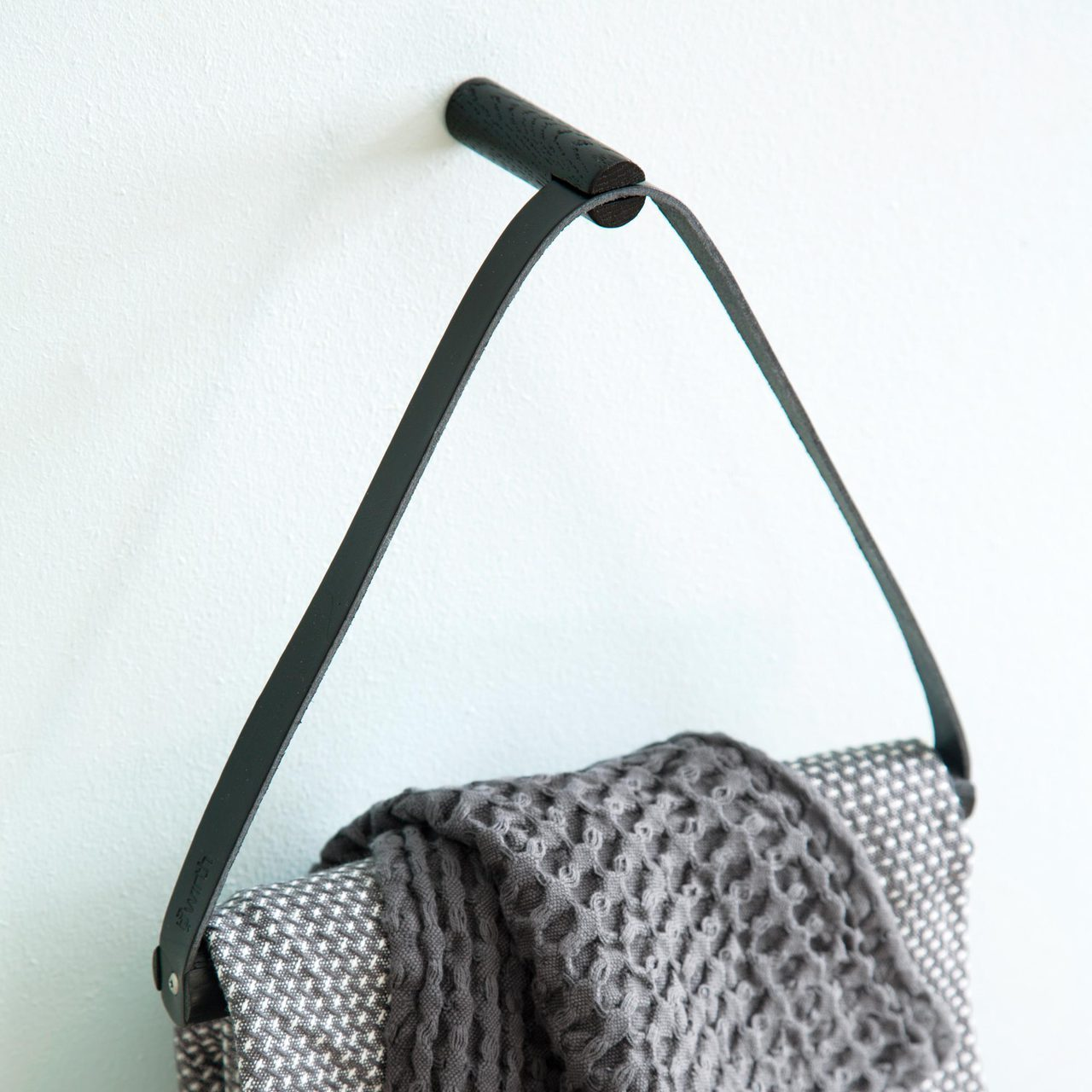 Towel Hanger- Black