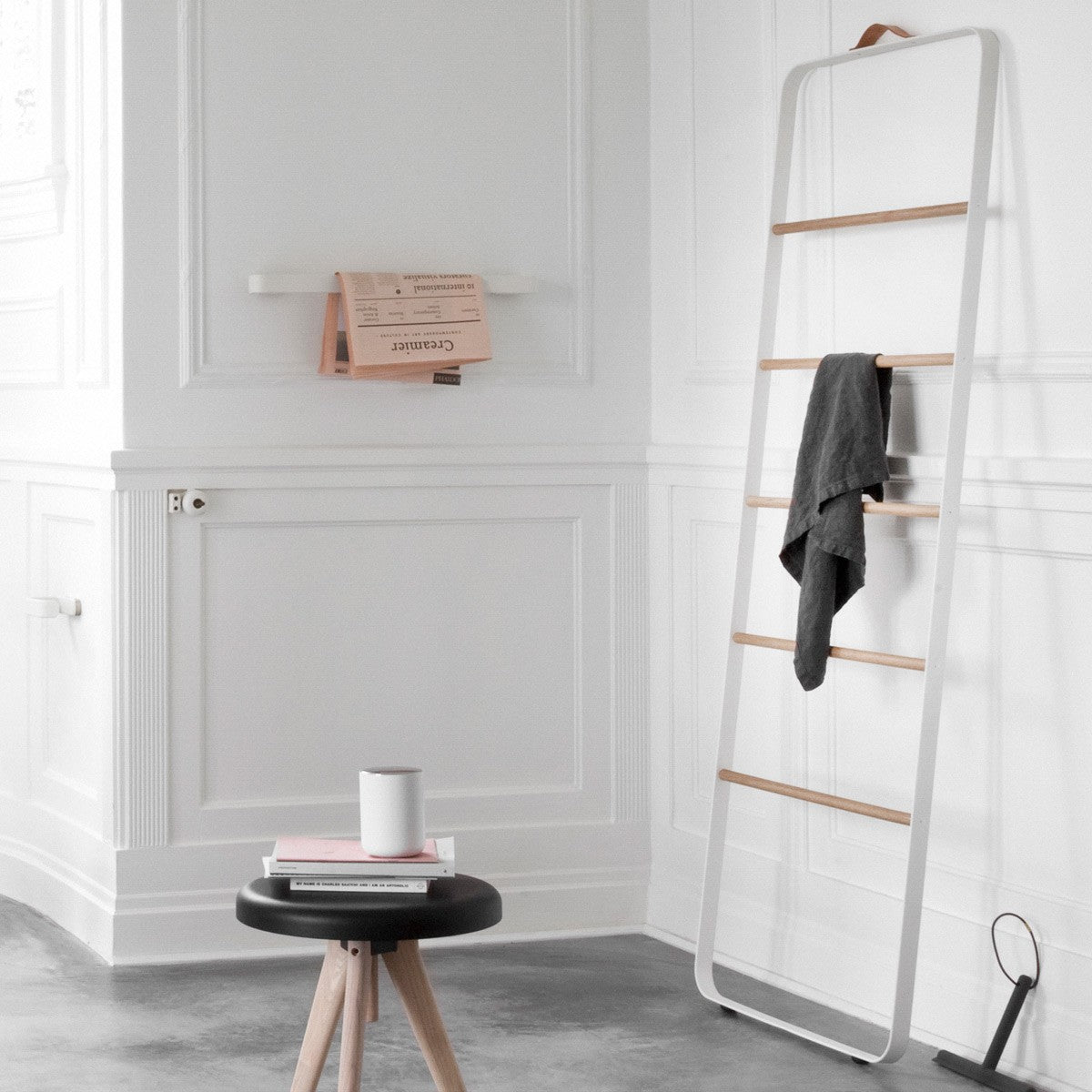 Norm Towel Ladder- White