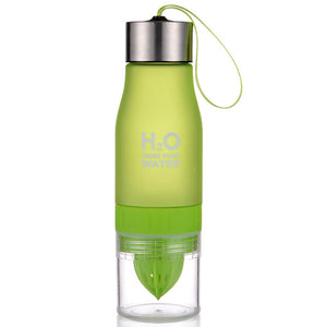 650ml Lemon Juicer Infuser Water Bottle. H2O Plastic Bottle. Leak-Proof.