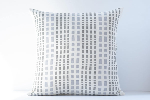 Kala Collective - Gotitas Pillow - Black, Zinc, Ivory - 20x20