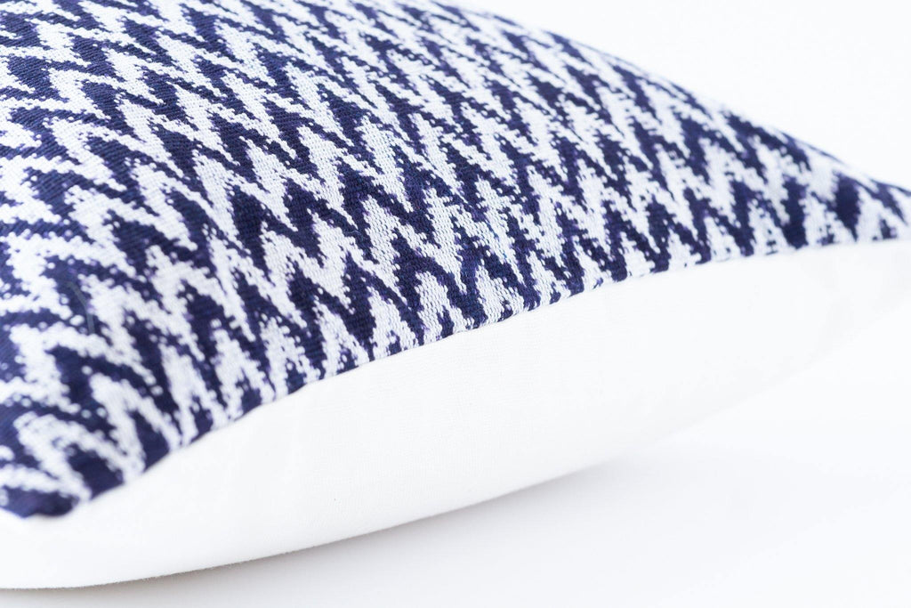 Kala Collective - La Laguna Pillow Lumbar - Indigo & Ivory - Natural Dye Cotton