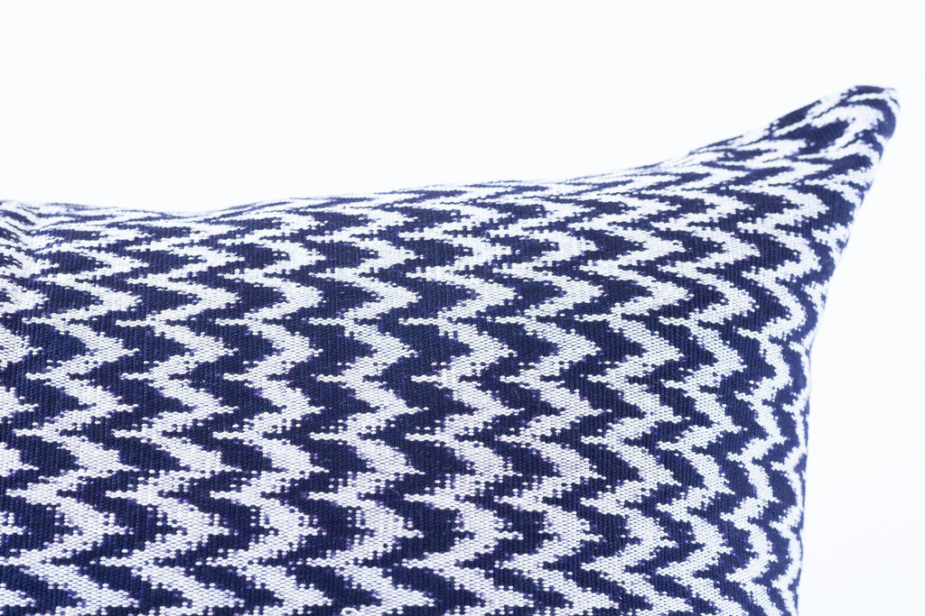 Kala Collective - La Laguna Pillow - Indigo & Ivory - Natural Dye Cotton