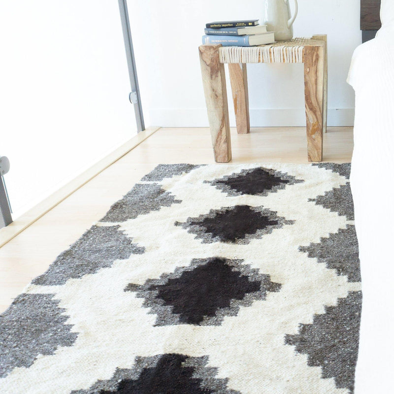 Kala Collective - Momos Accent Rug - Grey, Black, White - Wool Flat Weave