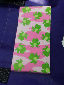 Pink Camo w\Frogs Wonder Wallets & Server Books