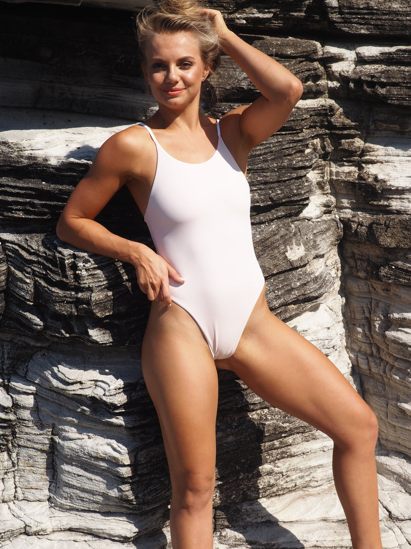 Gerrycan ONE PIECE Byron One Piece // White - Blush