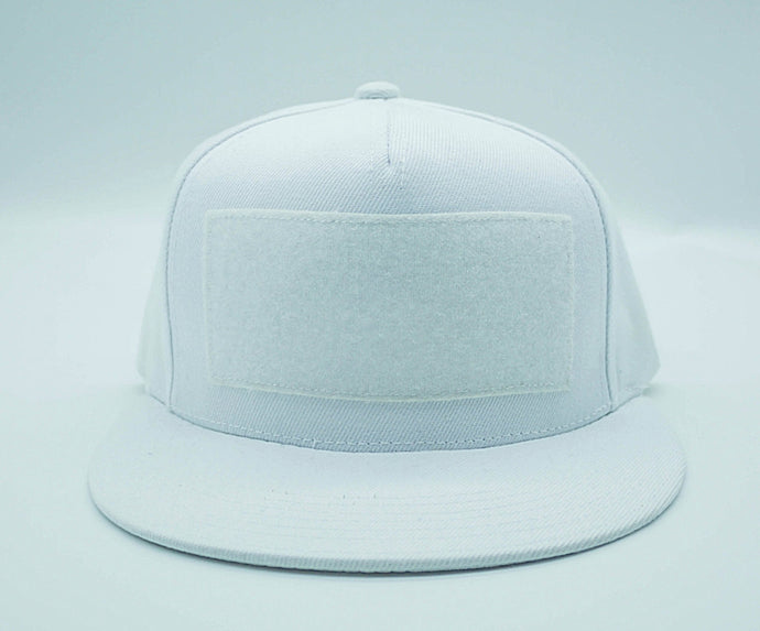 BLOCK HEAD SNAPBACKS