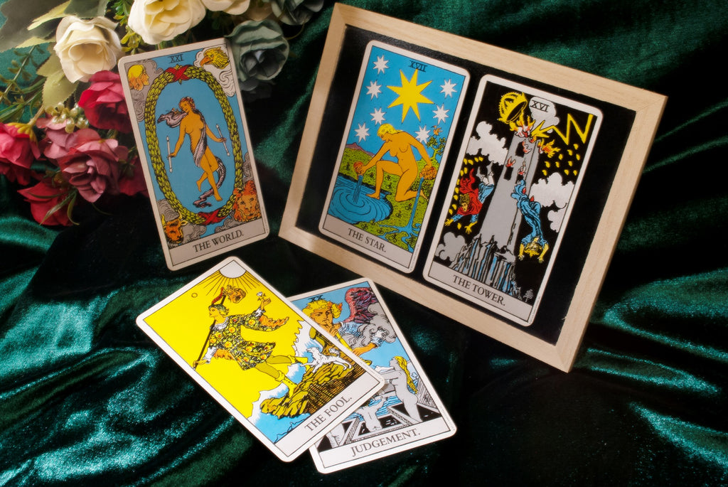 How to Read Tarot Cards: 8 Ways to Read Reversed Tarot Cards