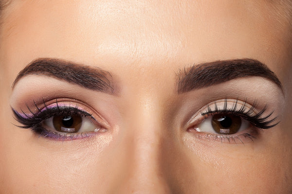 Thick and dark eyebrows