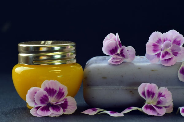 Skin care products with pomegranate seed oil
