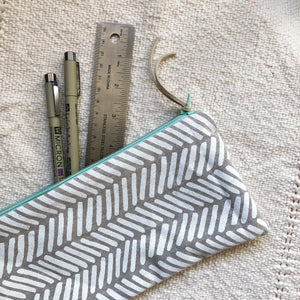 Two Directions Zipper Pouch