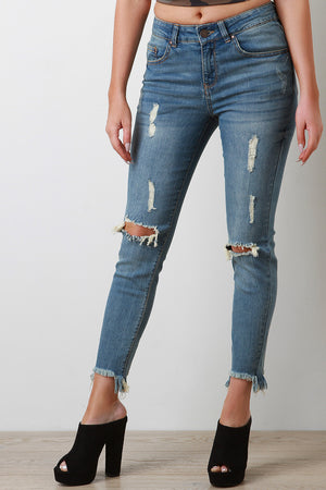 Cutout Knee Frayed Crop Skinny Jeans