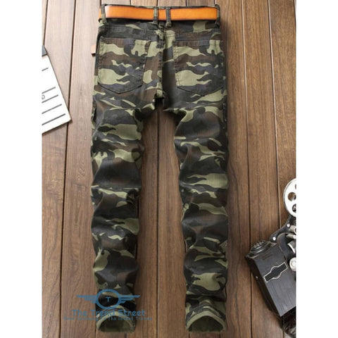 Image of Camouflage Print Multi-pocket Pleated Jeans