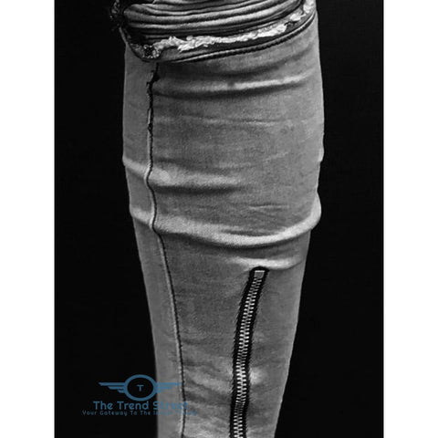 Zipper Fly Distressed Slim Fit Jeans